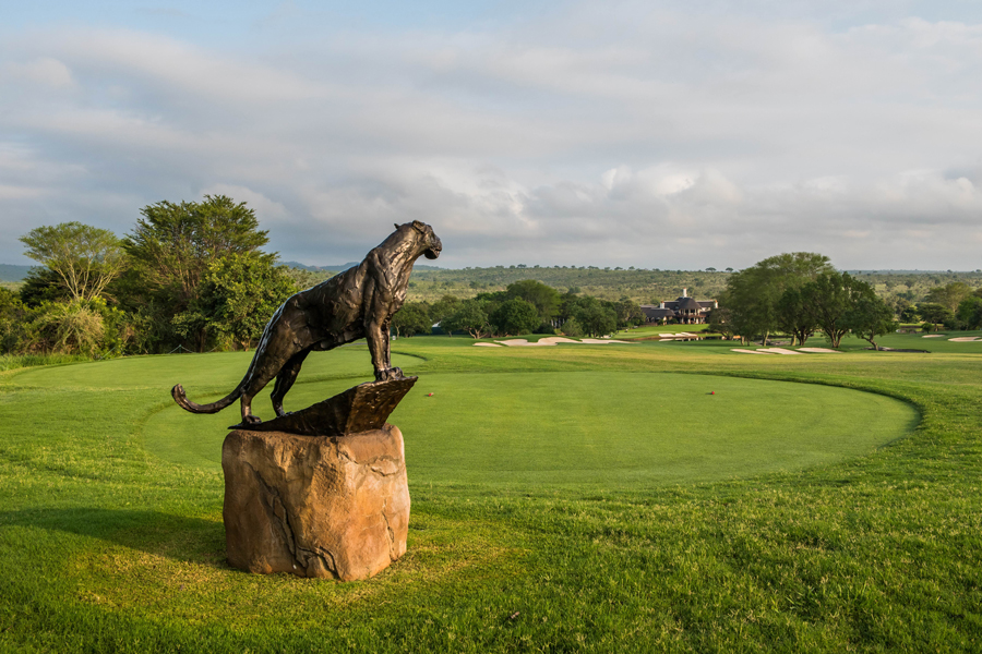 The life size bronze leopard sculptures that adorn each tee box at Leopard Creek were sculpted by South African artist Dylan Lewis. Each one represents a different moment in the day of a leopard.